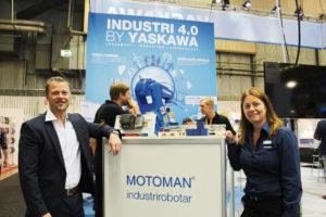 Pär Tornemo, vd för Yaskawa Nordic, visade tillsammans med marknadskommunikatören Katarina Ketzenius upp MotoLogix som gör det möjligt för plc-användare att sköta robotstyrningen.