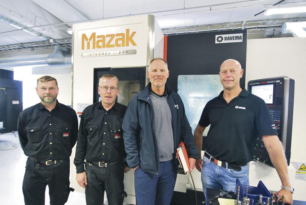 På fotot ser vi Jan och Johnny Svensson tillsammans med Ulf-Ivar Haveland och Peter Lidqvist.