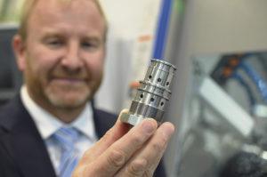 Försäljningschef Geoffrey Bryant på Citizen Machinery UK visade upp en detalj tillverkad på en imponerande kort tid.