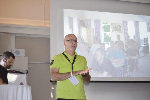 Anders Brunström förmedlade att med allt kortare produktcykler så behöver kunderna mer hjälp och support för att snabbt kunna utnyttja nya funktioner i Edgecam.
