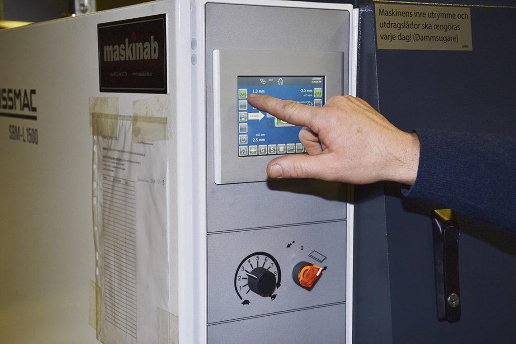 Jålek Plåt upplever att styrsystemet är mycket användarvänligt och logiskt uppbyggt.