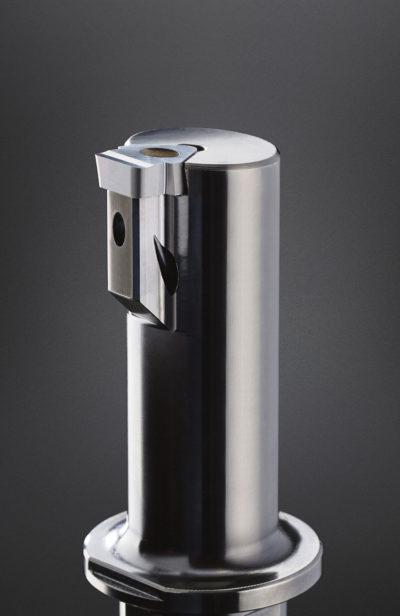 Den riktade kylningen med N117-brotschingssystemet minskar verktygsslitaget och ökar ytkvaliteten på arbetsstycket.