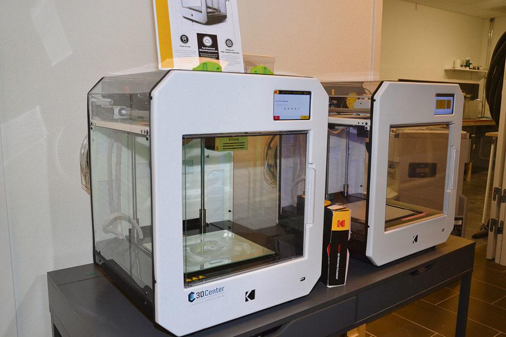 KODAK Portrait 3D Printer med FDM-teknik kan skriva ut detaljer på upp till 200 millimeter i bredd, höjd och djup.