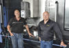 Peter Örtlund, ägare av Slipmekano och Fredrik Ljungberg, Area Sales Manager på Duroc Machine Tool, har utvecklat ett bra samarbete som har lett till investeringen av Doosan 850 VCF LSR II.
