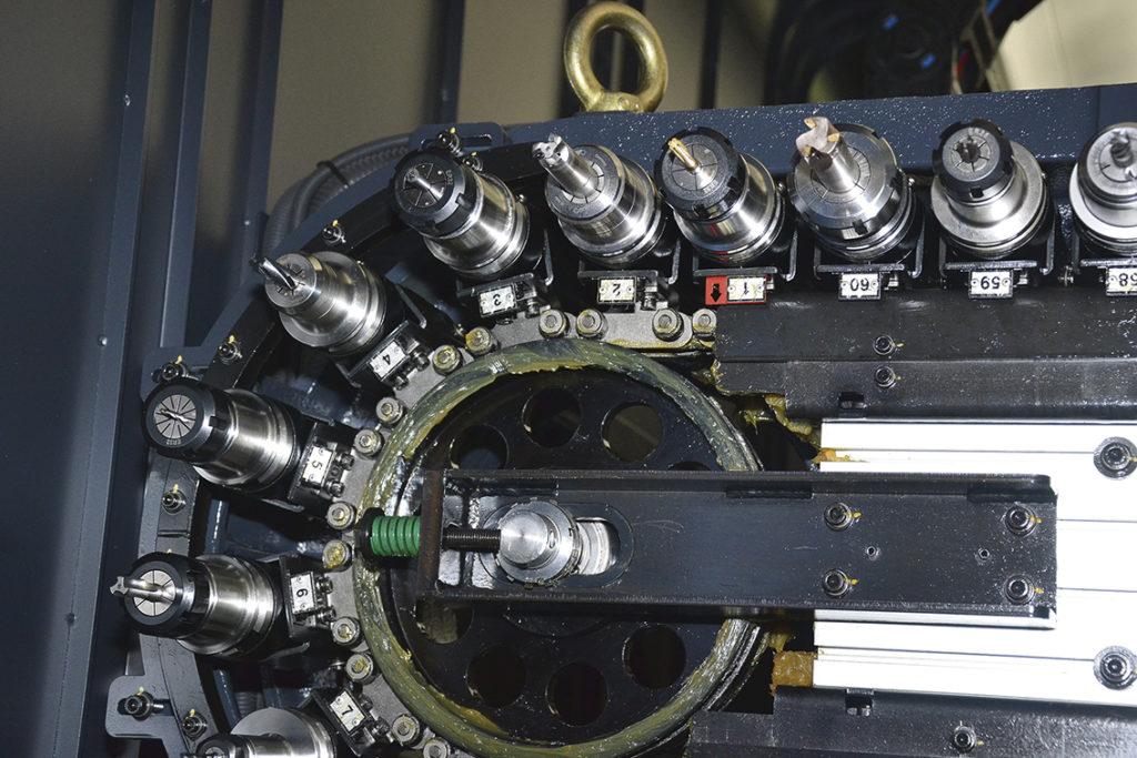 Verktygsmagasinet i Doosan VCF 850 LSR II har plats för 60 verktyg.