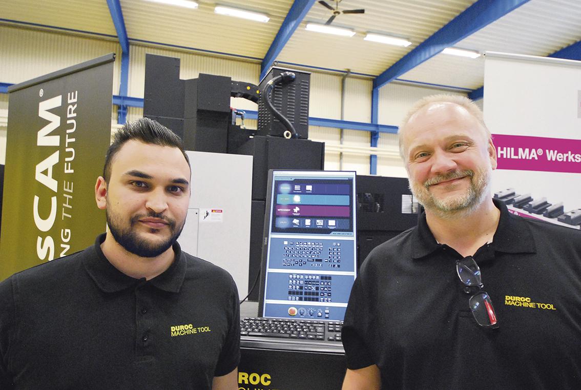 Mattias Stribrand och Patrik Andersson båda på applikation och teknik.