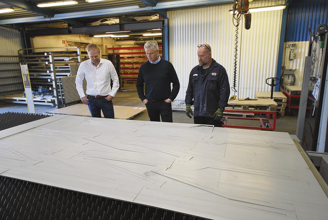 Plats för stora plåtar, 4x2 m.