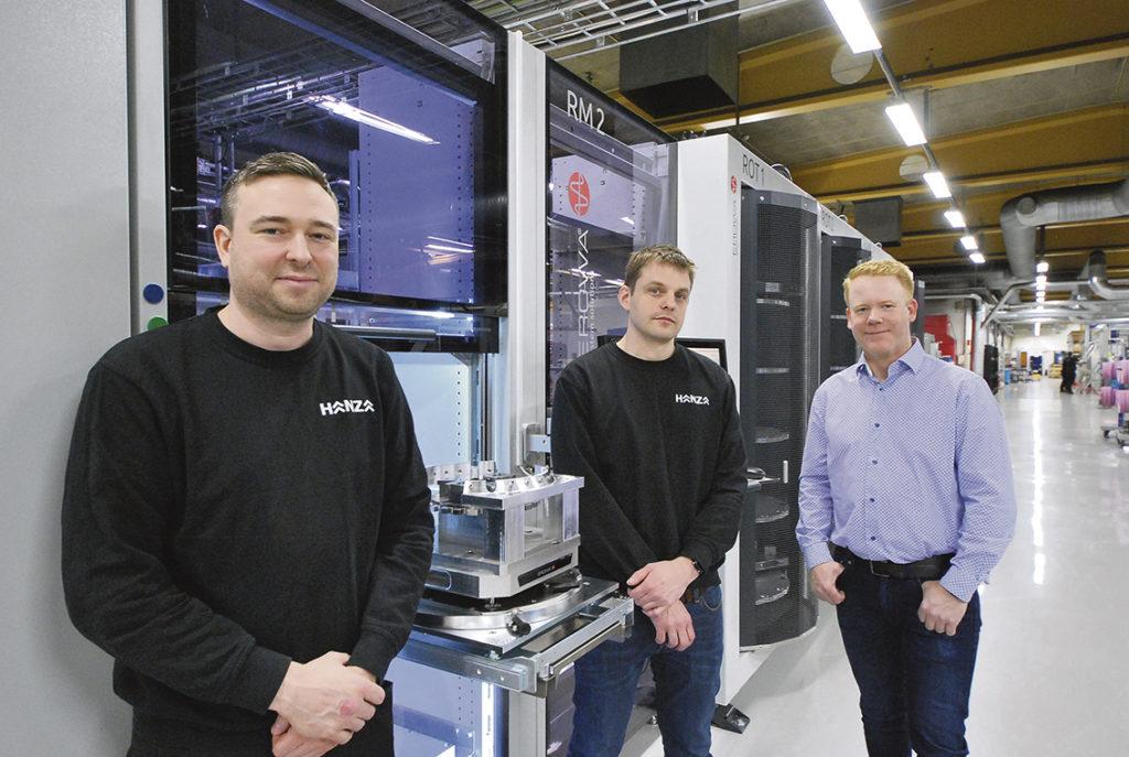 Produktionsteknikerna Christian Edström och Björn Andersson och Ola Melin EROWA.