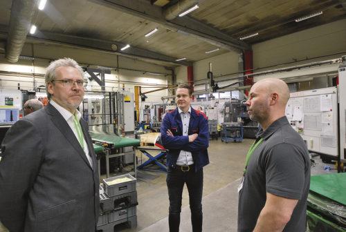 Här diskuteras mätteknik, Lars Strungat vd Blum-Novotest, Daniel Karlsson produktionsteknisk chef på Tonsjö och Henrik Eberdal teknisk chef Blum-Novotest
