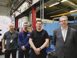 Tekniker och experter i samarbete, löste ett mättekniskt kvalitetsproblem. Från vänster till höger; Henrik Eberdal, Johan Widlund, Ted Jutéus och Lars Strungat