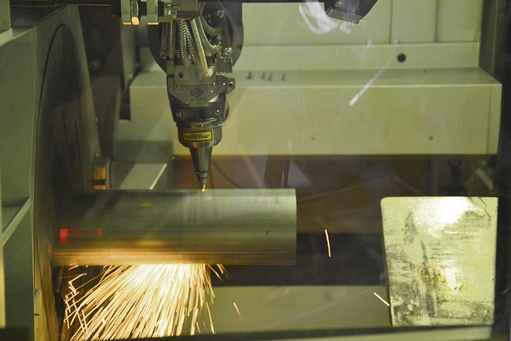 Edström installerade maskinen på 1,5 vecka. Under en vecka i våras hade Conpipe 100 timmars arbete inbokat på den nya maskinen vilket är en fingervisning på hur viktig Adige LT7 är för företaget.